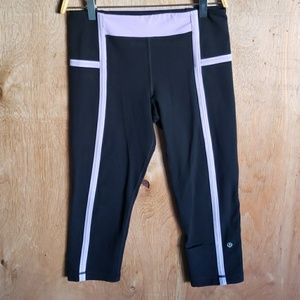 Lululemon capri black pants 6
